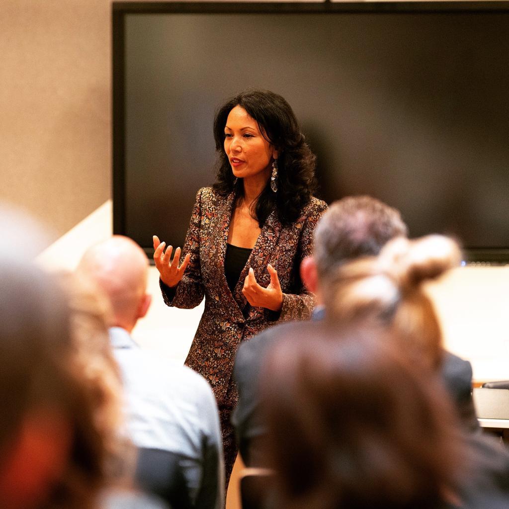 Presentatiecoach Cyrille geeft een presentatie training